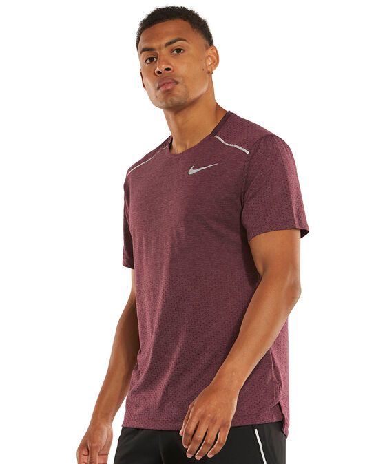 best quality official images size 40 Nike Mens Breathe Rise 365 T-Shirt