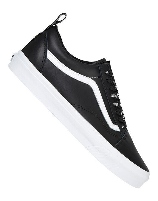 c63efd7d2b Men s Black Leather Old Skool Vans