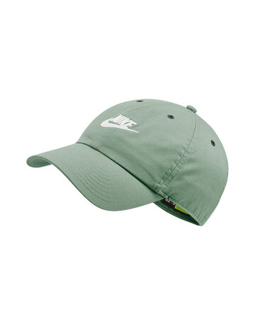 Adults Futura Washed Cap