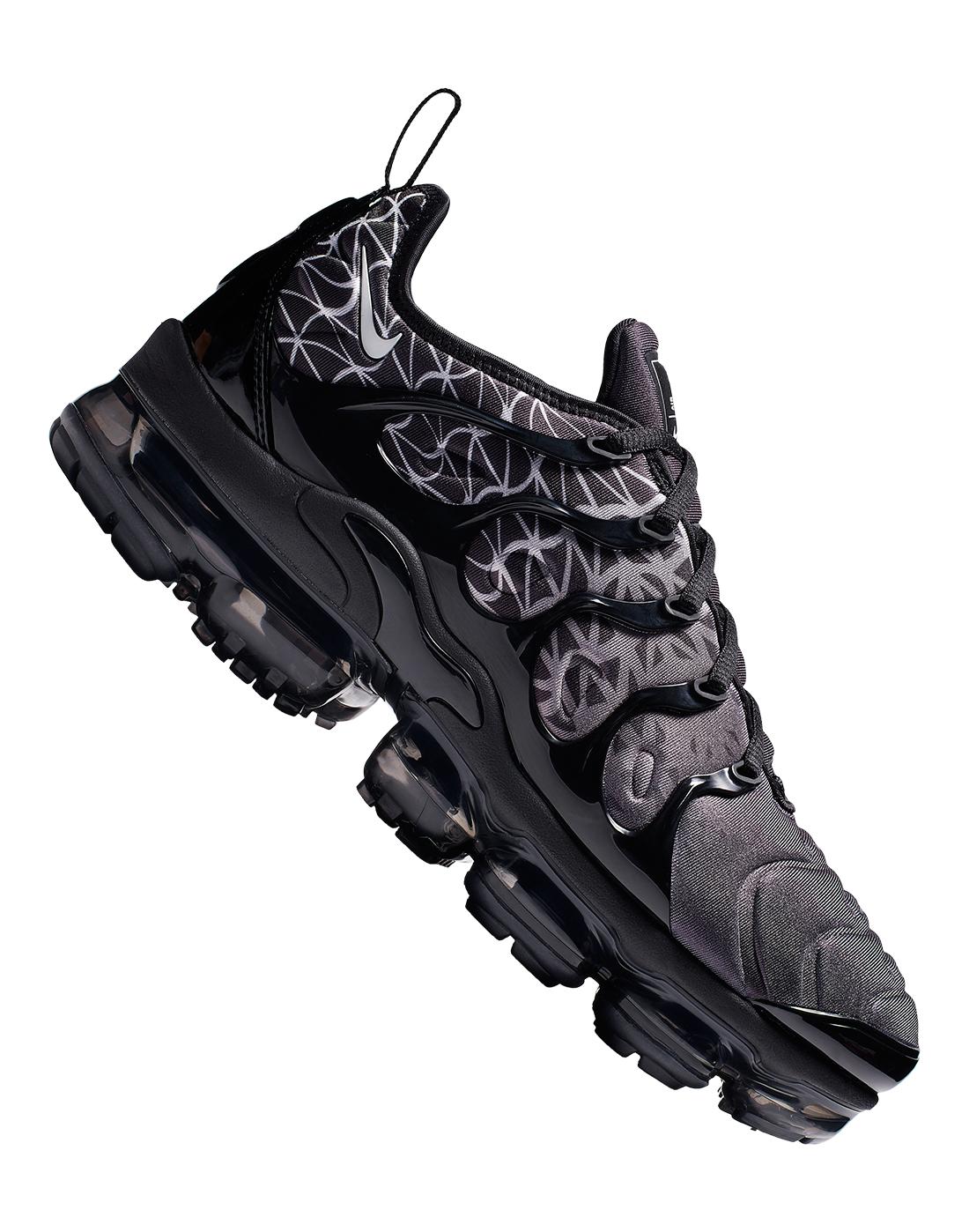 ff0a59c7e04be Men s Black   Grey Nike Vapormax Plus