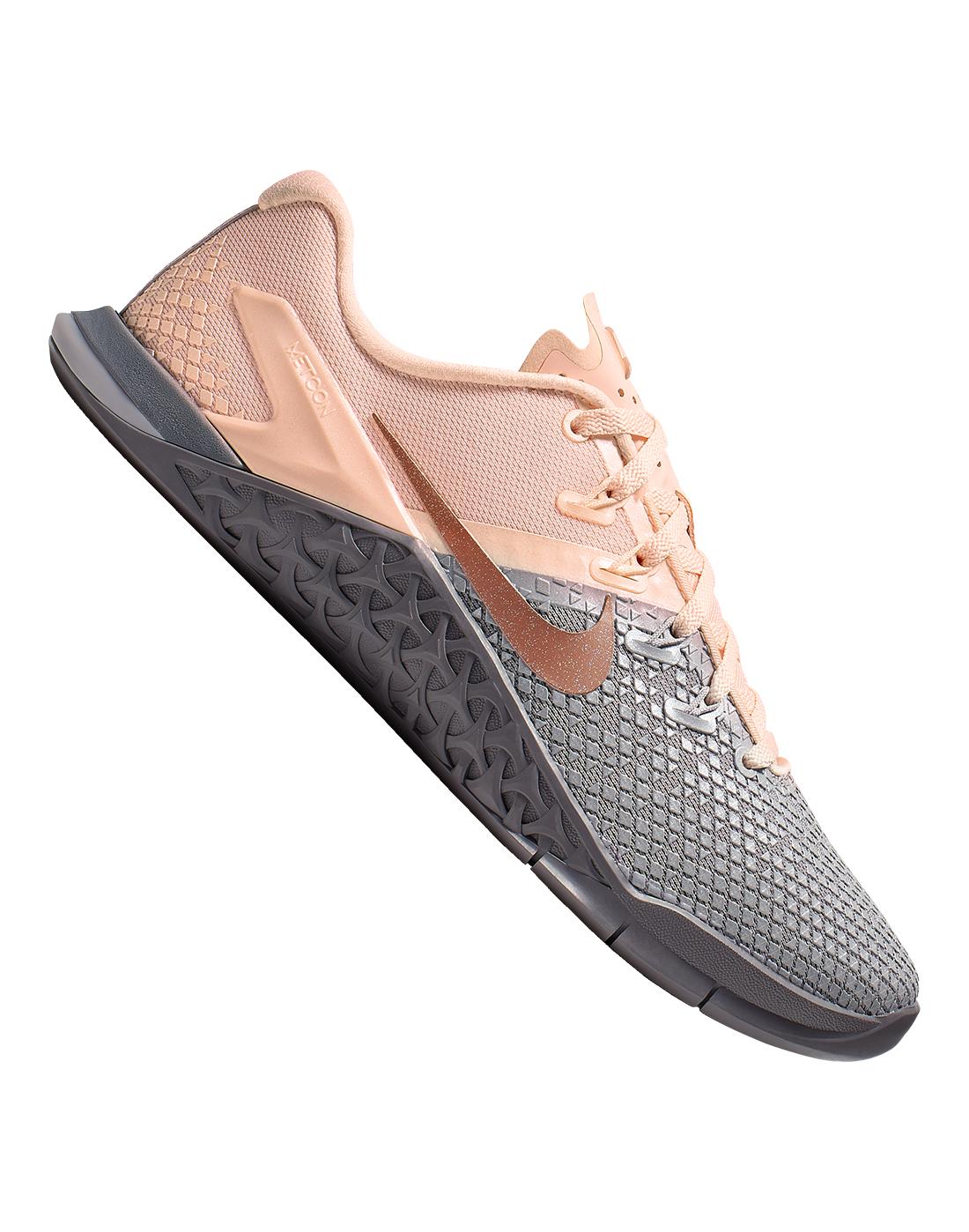Women's Grey \u0026 Pink Nike Metcon 4XD