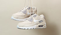 Deluxe Women's Trainers